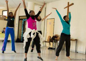 Apprentissage de la danse en stage