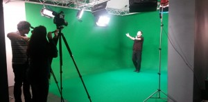Farid se fait filmer au studio